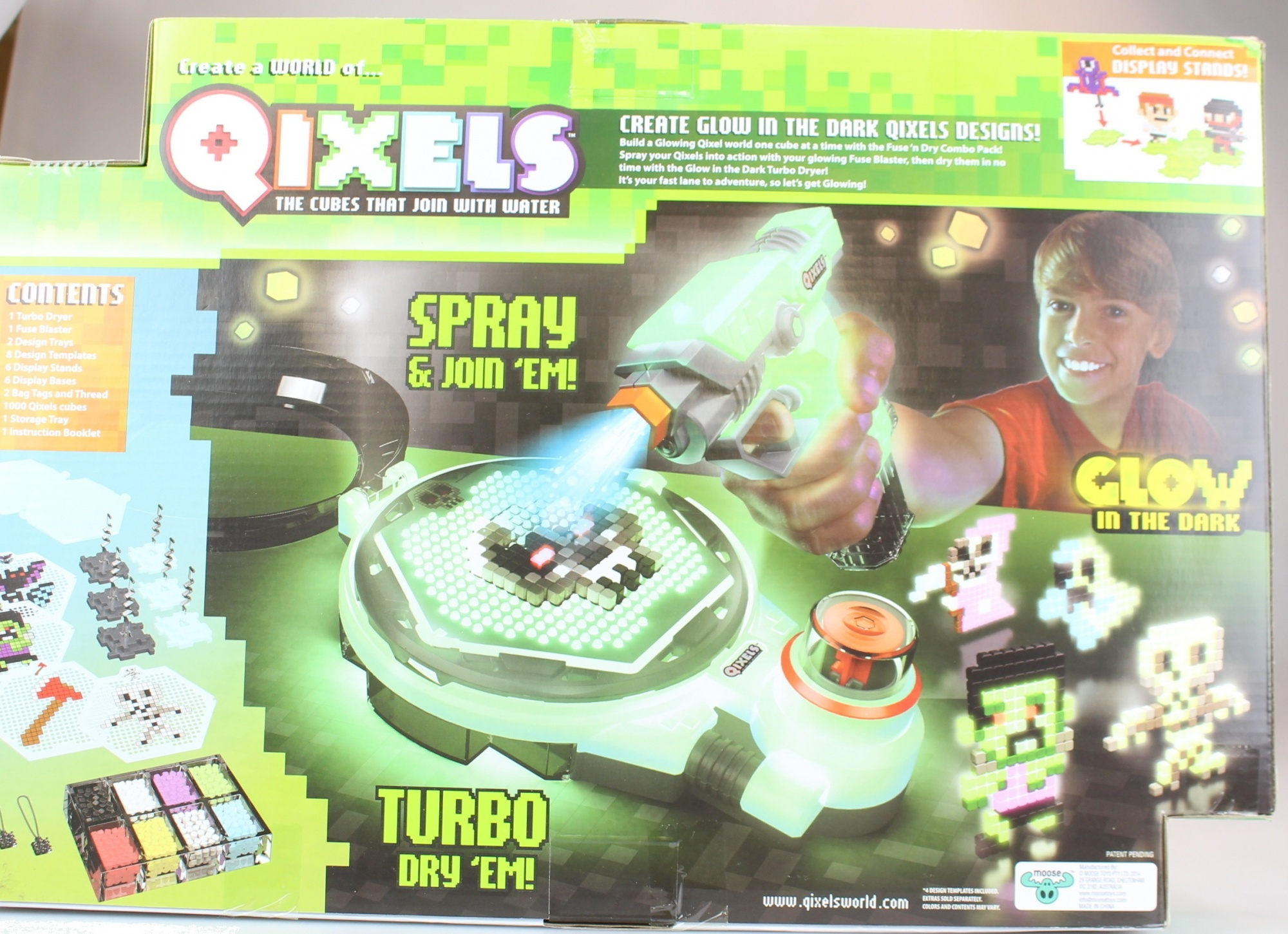 QIXELS Glow-in-The Dark Design Creator Toy