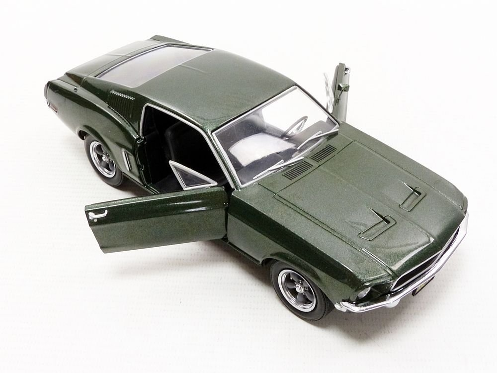 1968 Ford Mustang GT Fastback Bullitt Steve McQueen 1:24 GreenLight 84041